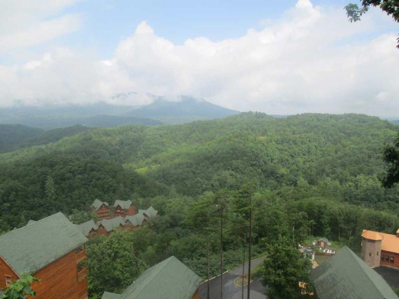 Amazing view of Bluff Mountain - WINDOWS TO PARADISE - Sevierville - rentals