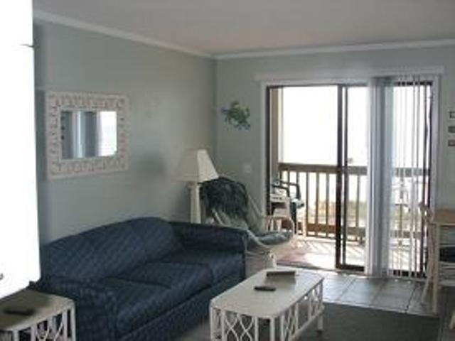 Living Room facing the ocean - Heaven on the Beach - Direct Ocean Front Condo with Sauna and Jacuzzi - Myrtle Beach - rentals