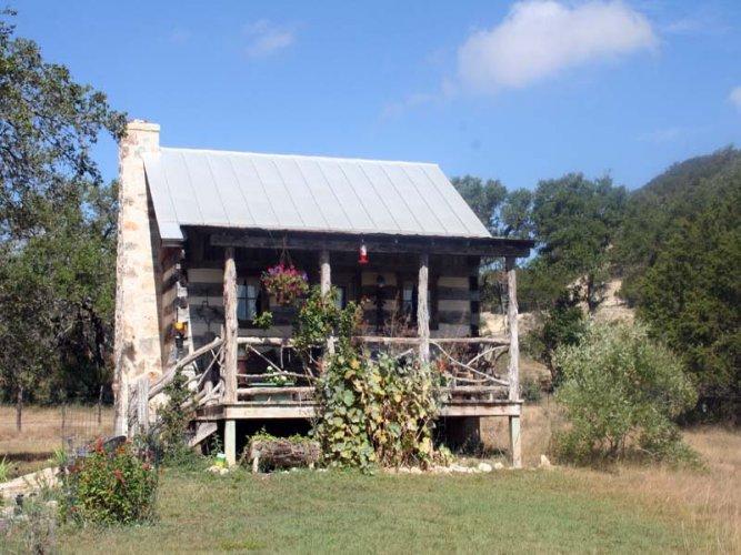 Wine Cup Cabin - Image 1 - Fredericksburg - rentals