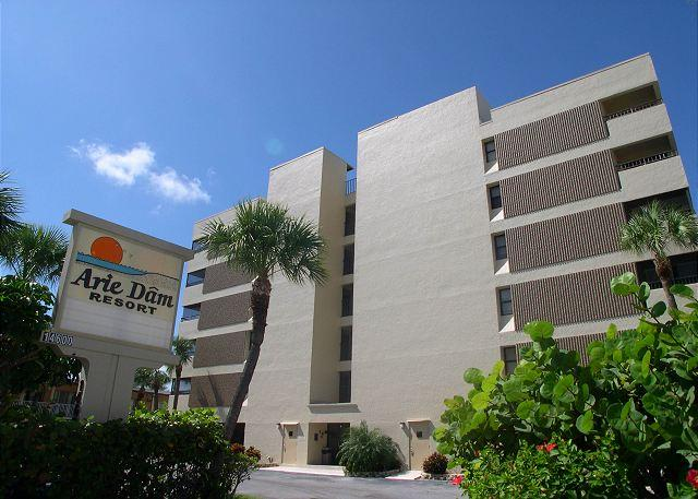 Arie Dam 503  Premium top floor, corner condo on the Gulf with Pool & Spa! - Image 1 - Madeira Beach - rentals