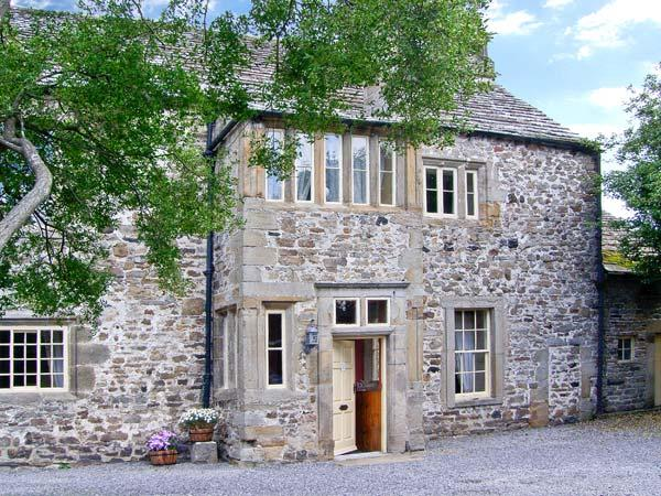 UNTHANK HALL, Grade II* listed, woodburner, parking, dog-friendly, one acre walled paddock, in Stanhope, Ref 21851 - Image 1 - Stanhope - rentals