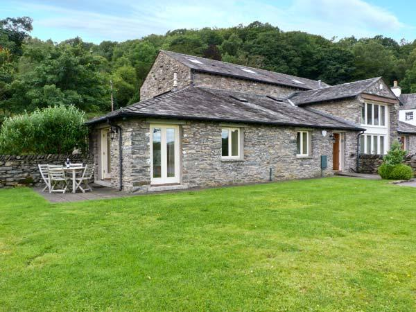 WINSTER FIELDS, lovely views, WiFi, off road parking, near Windermere, Ref. 26823 - Image 1 - Bowness & Windermere - rentals