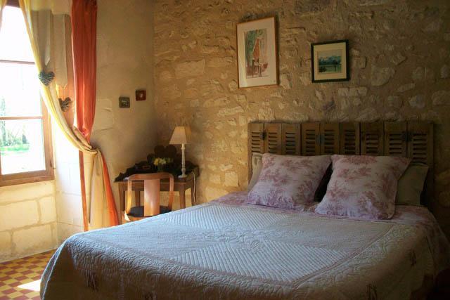 Eveillure bedroom - Au Moulin de la Croix bed and breafast - Azay-le-Ferron - rentals