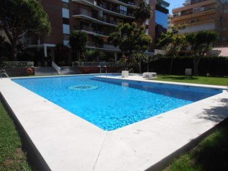 pool - Apartement at 3 minutes walk from the beach . - Marbella - rentals