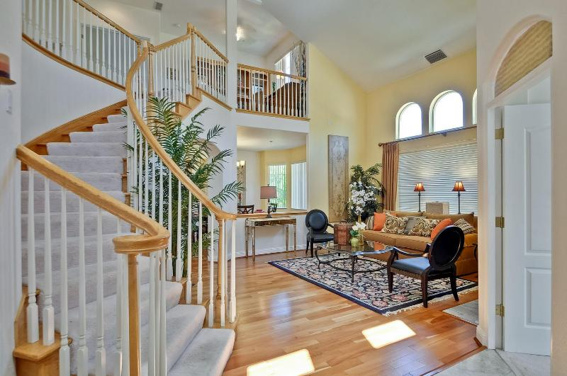 5 bedroom furnished corporate home. - 5Bd+office Tuscan Villa Styled Manor - Sunnyvale - rentals