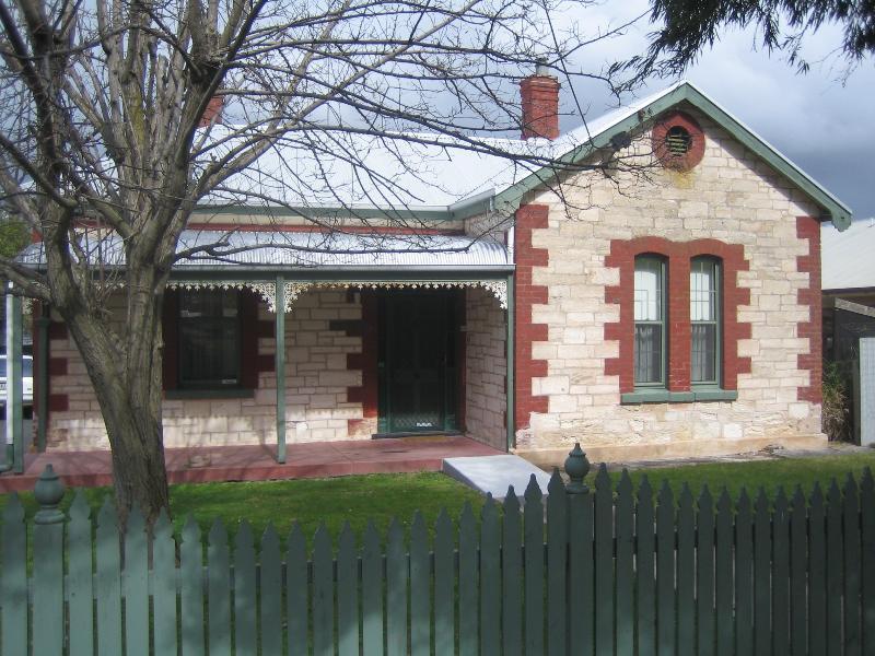 Front of Smith Street Villa - Smith Street Villa - Naracoorte - rentals