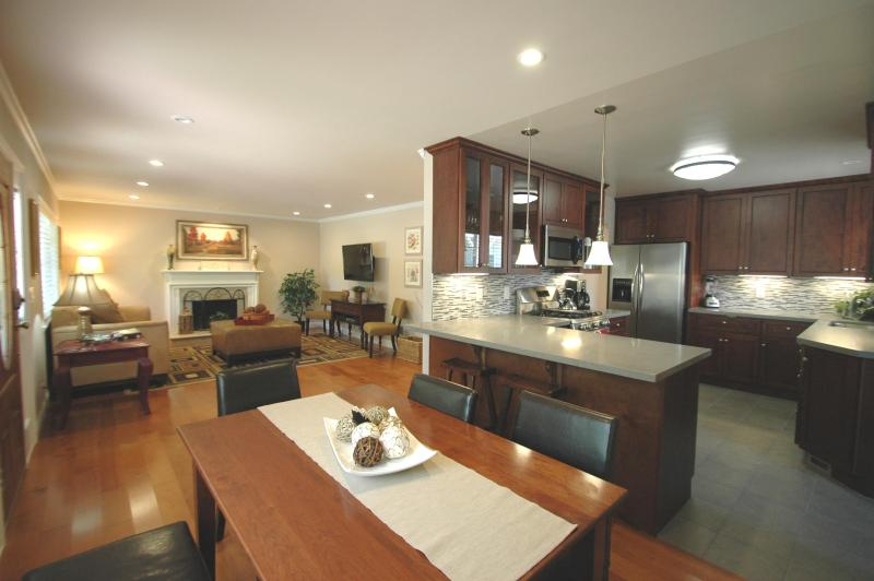 4 bedroom furnished corporate housing near Stanford - Remodeled 4 b/r, office, Palo Alto - Menlo Park - rentals