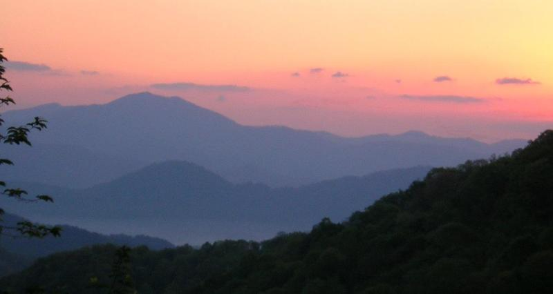 Sunrise from the deck - Gorgeous Mountain Views! - Waynesville - rentals