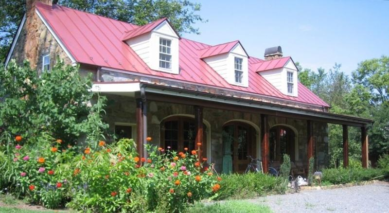 Charming Carriage House Near Historic Waterford VA - Image 1 - Leesburg - rentals