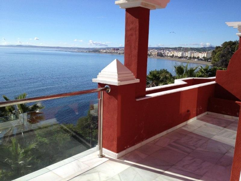 FIRST LINE PENTHOUSE DUPLEX OVER THE ESTEPONA BAY - Image 1 - Estepona - rentals