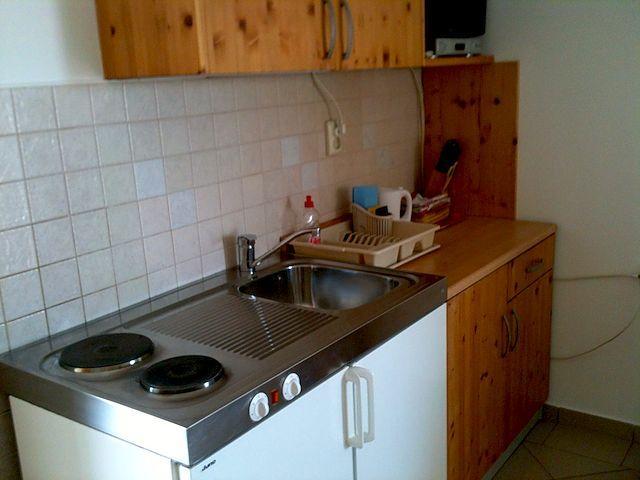 Apartmani JAKLIN Banjol, Rab: Apartment C - Image 1 - Rab - rentals