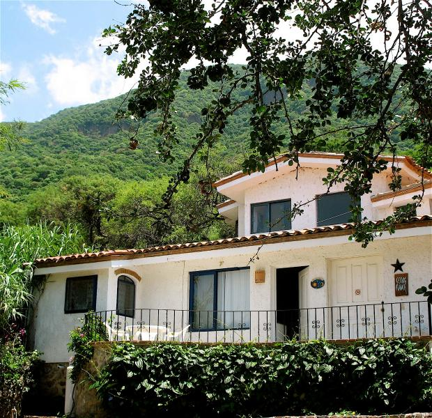 Exterior view of the Marblle Villa and Rauch art studio - Marble Villa- Cosy but spacious and near the pool! - Jocotepec - rentals