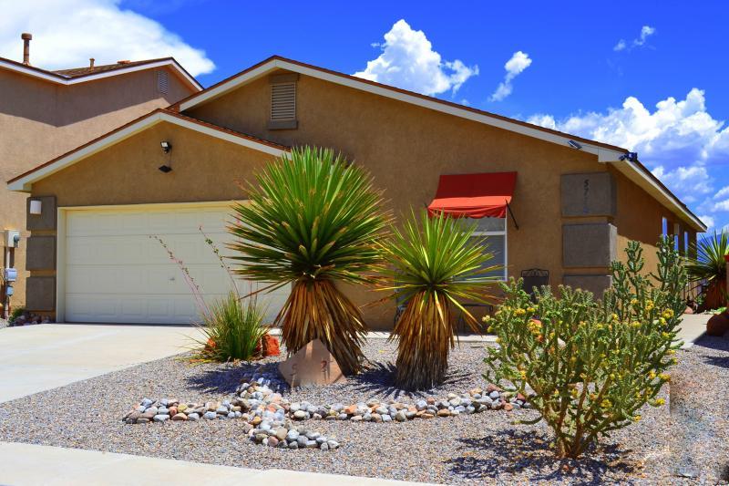 Welcome To Sandia Vista!! - STUNNING Views ~ Stellar Reviews! - Albuquerque - rentals