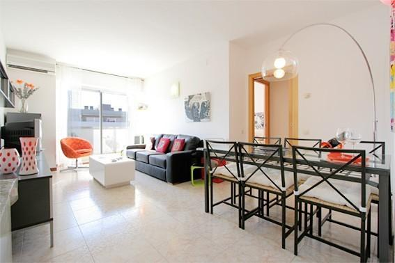 B308 BEACH COMFORTABLE FLAT - Image 1 - Barcelona - rentals