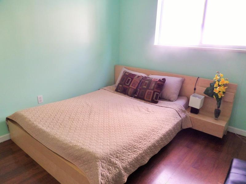 Cozy garden suite in Maple Ridge - Image 1 - Maple Ridge - rentals