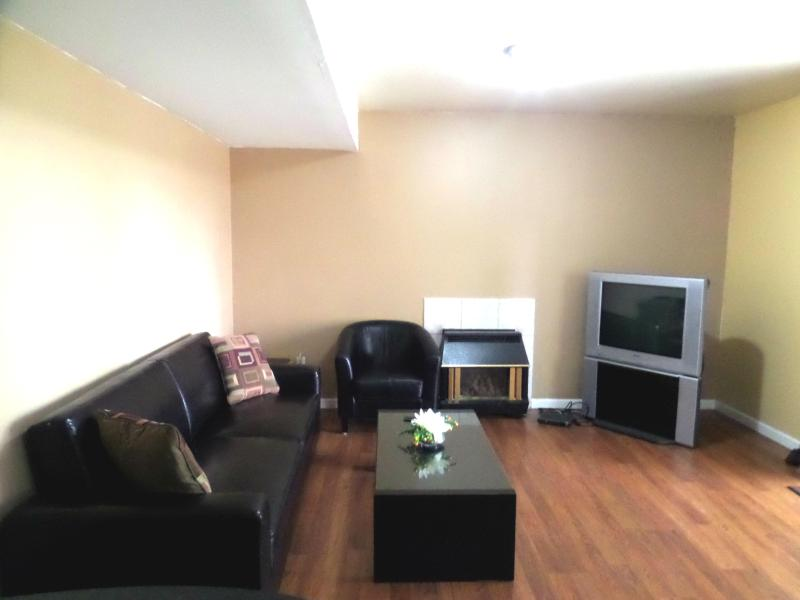 Cozy garden suite in Maple Ridge - Image 1 - Maple Ridge - rentals
