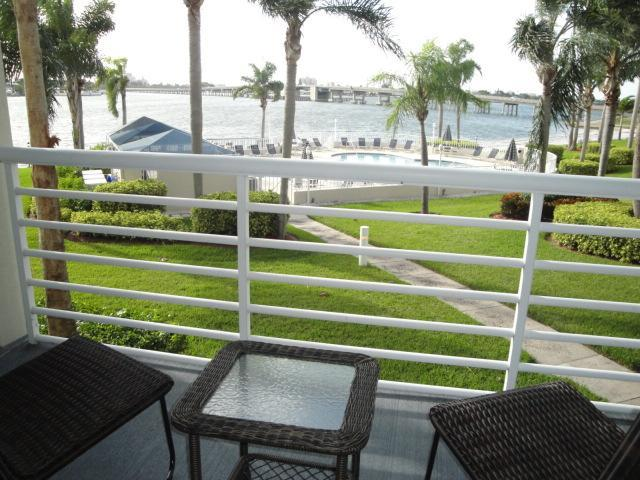 Poolside View - Come Soak Up The Sun on Isla del Sol! - Saint Petersburg - rentals