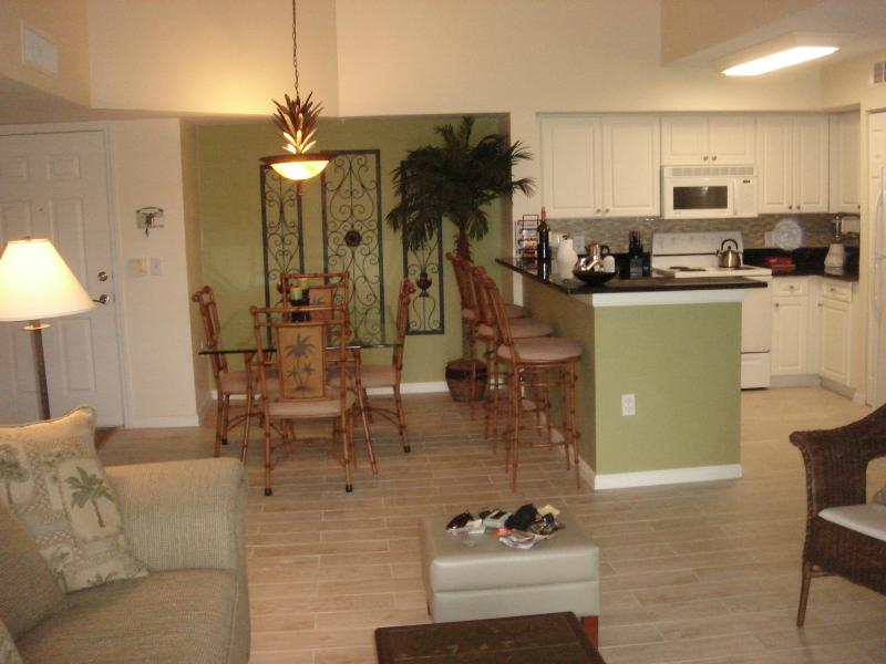 Great Room View - 2 bedroom 2 bath Condo rental in Naples Florida - Naples - rentals