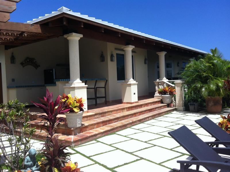 Sandcastle Casitas - BEACH, POOL, OCEAN VIEWS NEXT TO W RETREAT & SPA - Vieques - rentals