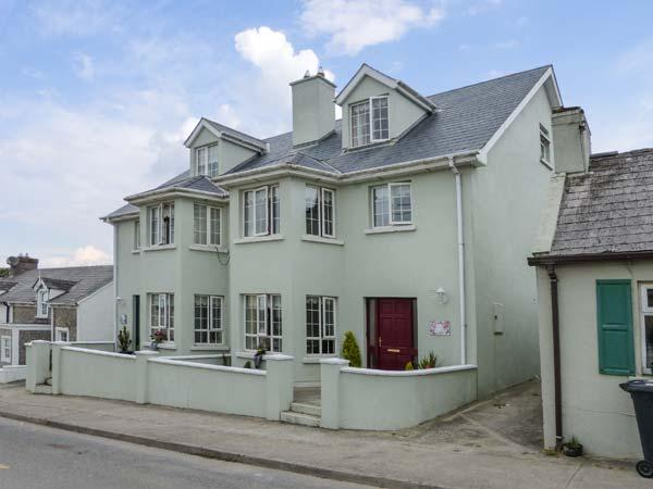 SURIFINA, family-friendly cottage, close to beach, in popular town of Duncannon, Ref 26995 - Image 1 - Duncannon - rentals