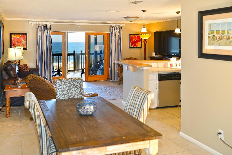 Dining Area - Captain's House B2 Oceanfront - Fernandina Beach - rentals
