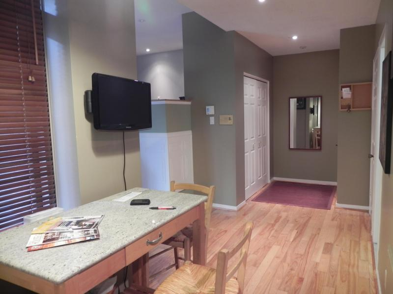 Dining area - Downtown Beautiful Condo with everything you need - Montreal - rentals