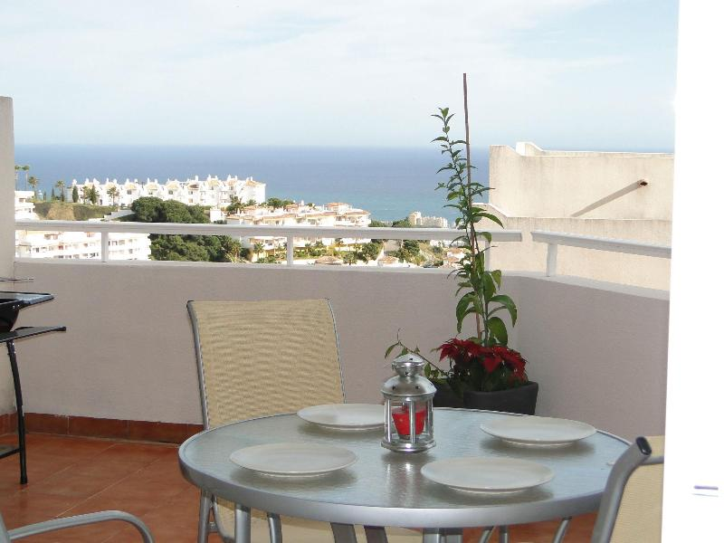 Terrace and View! - LOVELY APARTMENT, SEA VIEWS, POOL, BBQ, WIFI, - Sitio de Calahonda - rentals