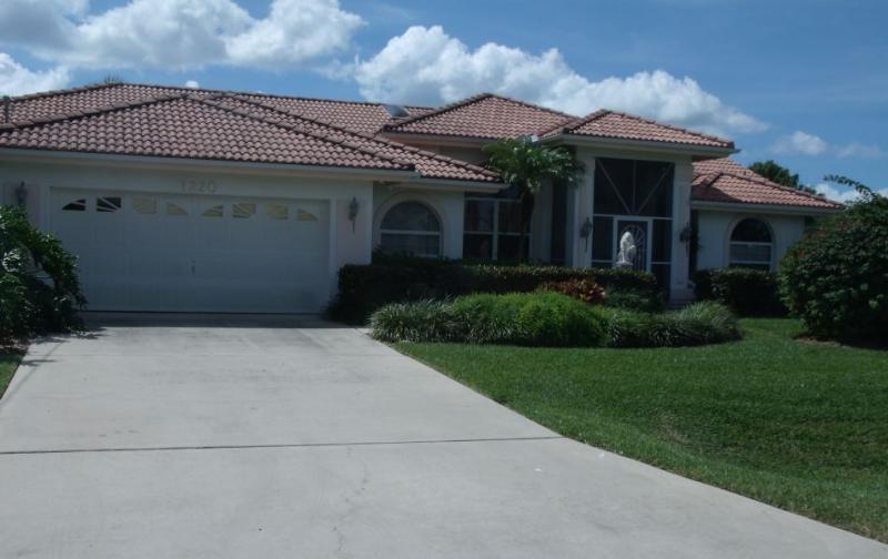 Front Villa Artana - Villa Artana Cape Coral 4 / 2 ,Waterfront Pool etc - Cape Coral - rentals