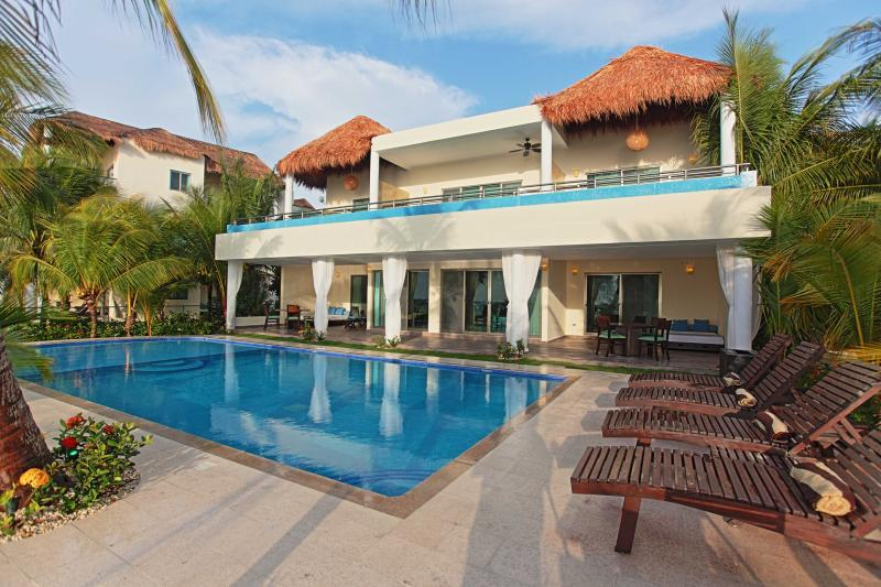 - 5 Bedroom Oceanfront Villa - Playa del Carmen - rentals