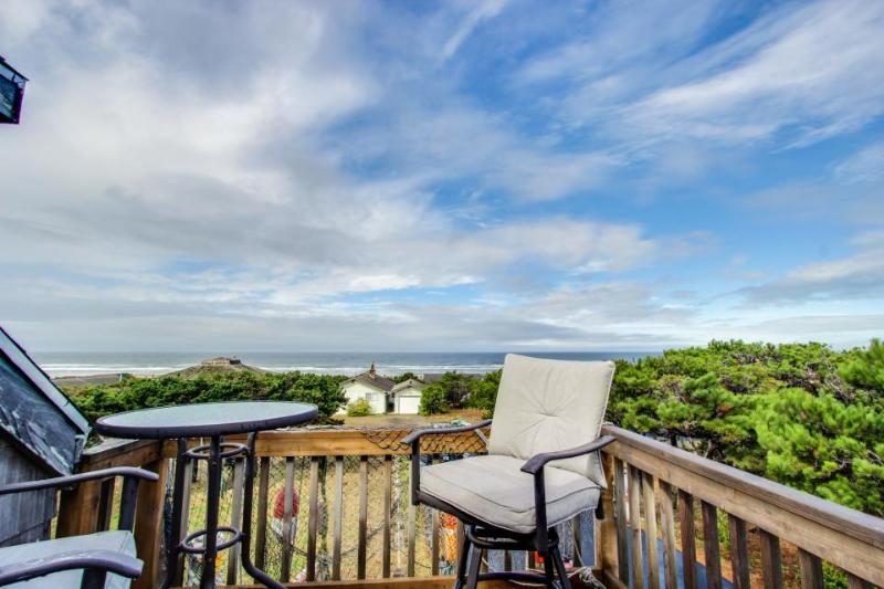 Whimsical oceanview & dog-friendly home w/ private hot tub & close beach access! - Image 1 - Waldport - rentals