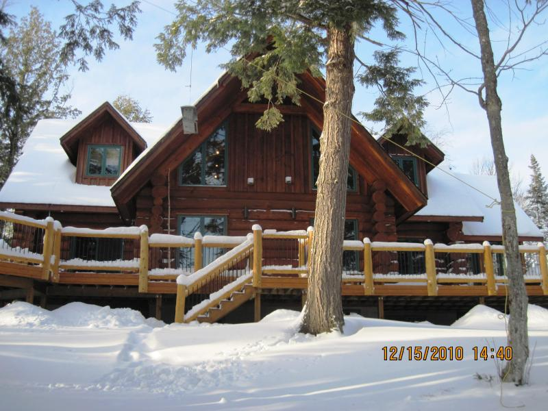 Hemlock Point Front - Winter - Algonquin Hemlock Point - Winter Ski & Snowmobile - Kearney - rentals