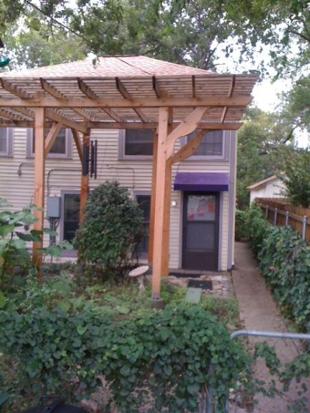 outside - Hyde Park Hideaway with 2 bathrooms - Austin - rentals