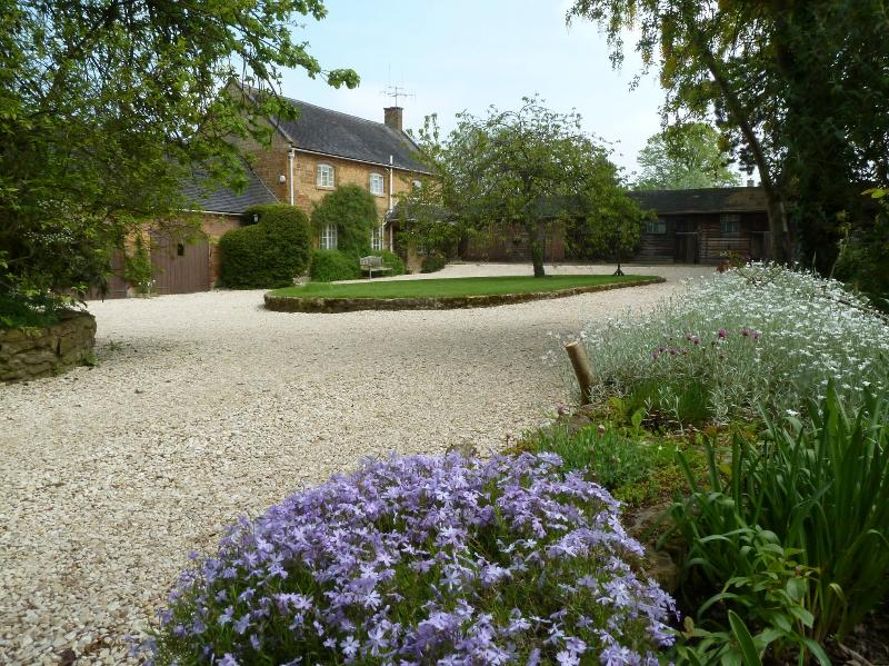 Late Spring at Sansome House Cottage - Sansome Cottage 4mi Chipping Campden  NO FEES!! - Chipping Campden - rentals