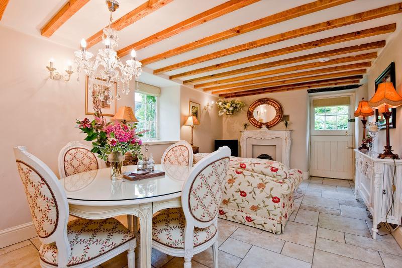 The Little Coach House - Image 1 - Garndolbenmaen - rentals