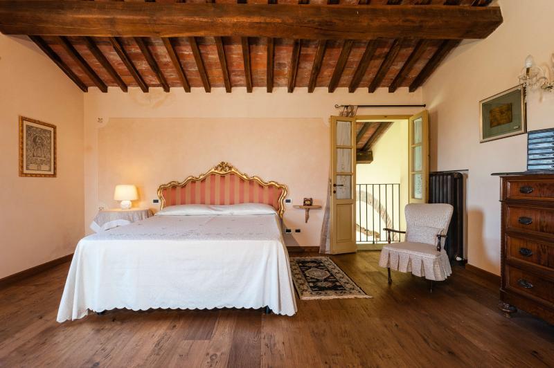 Villa Luana: 17th century tuscan villa with pool & park - Image 1 - Pisa - rentals