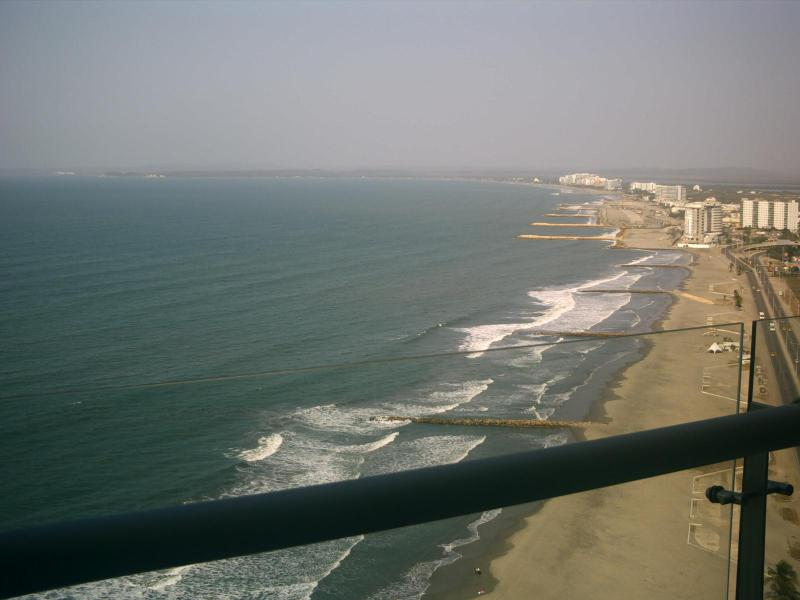 view from terrace - Eagles eyeview of ocean and sky - Cartagena - rentals