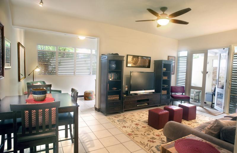 Living area - ThreeBedroom Garden Beach Townhouse - San Juan - rentals