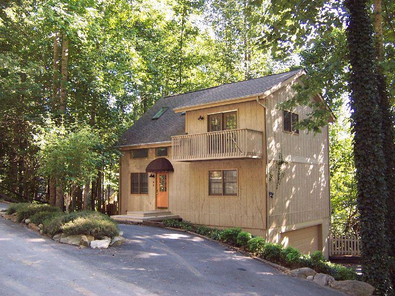 Two story home tucked into treed area.  Quiet but convenient.  Easy access - Home in private community in Maggie Valley, NC. - Maggie Valley - rentals