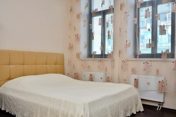 CR101fKIEV - Saint Michael's Square Studio - Image 1 - Kiev - rentals