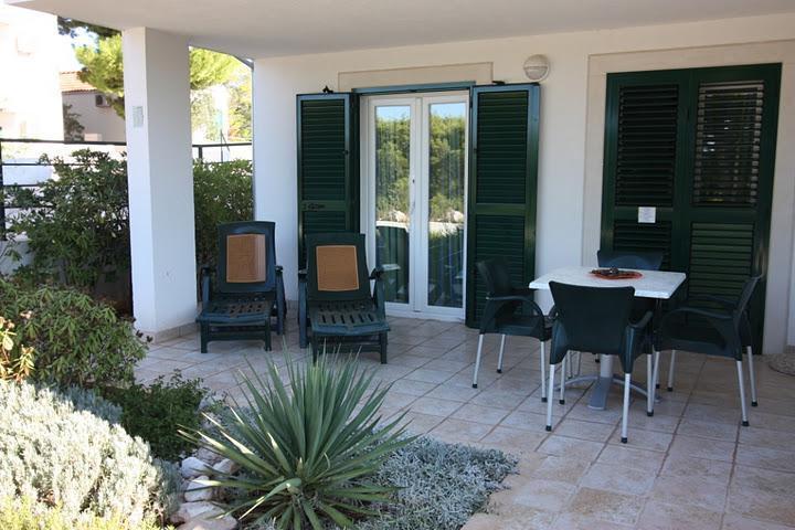 Seaside Village - apartment Alga - Image 1 - Cove Makarac (Milna) - rentals