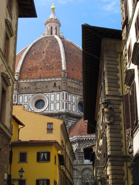 View from the street just outside of the building - Cosy apartment in the heart of Florence - Florence - rentals