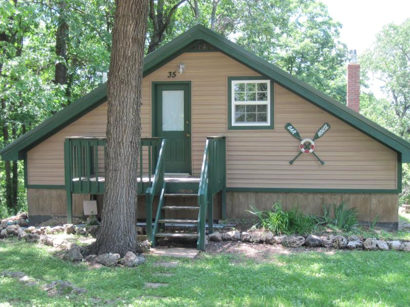 Oar House front view - Oar House Cabin, Lake of the Ozarks, Missouri - Lake of the Ozarks - rentals