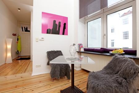 Apart-studio Gaston - Bright and great atmosphere - Image 1 - Berlin - rentals