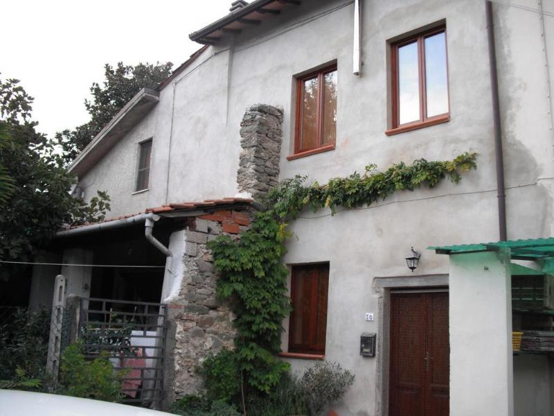 Front house - Tuscan holiday home for rental set in beautiful bagni di Lucca, sleeps 4 - Bagni Di Lucca - rentals