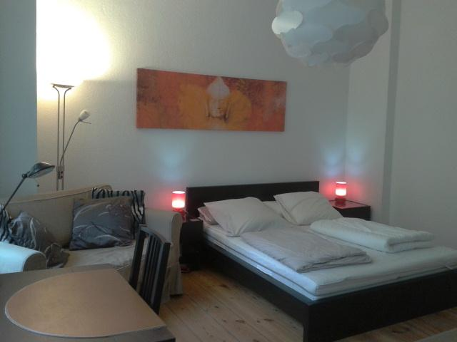 Quiet apartment Berlin Downtown, WIFI   Charlot - Image 1 - Berlin - rentals