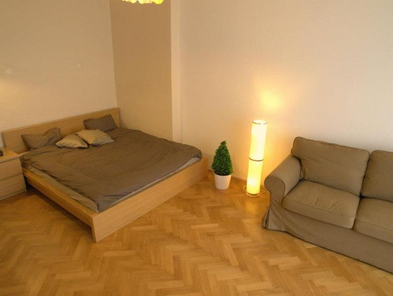 Master bedroom - Large renovated apt for 2-7+balcony II - Prague - rentals