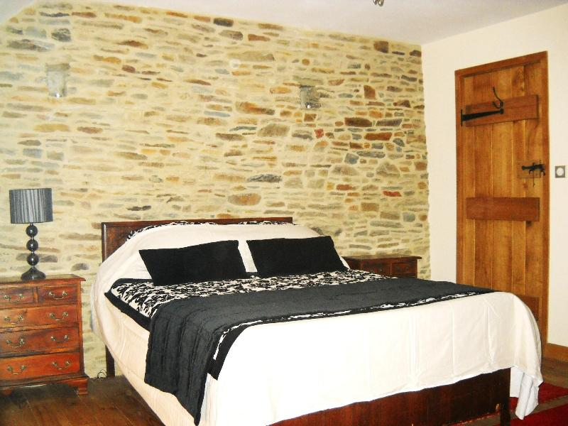 bedroom 1 - le mont st michel , pontorson - Mont-St-Michel - rentals