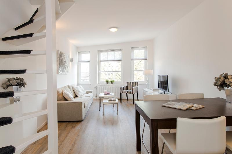 City centre apartment De Admiraal 2 (wifi) - Image 1 - Amsterdam - rentals