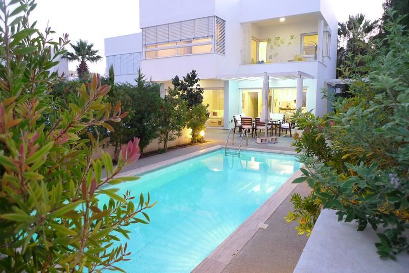 PRN27 Villa Centrum - CHG - Image 1 - Protaras - rentals