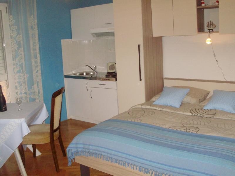 Studio 2 - Studio Apartment 1  In Jelsa On The Island Of Hvar - Jelsa - rentals